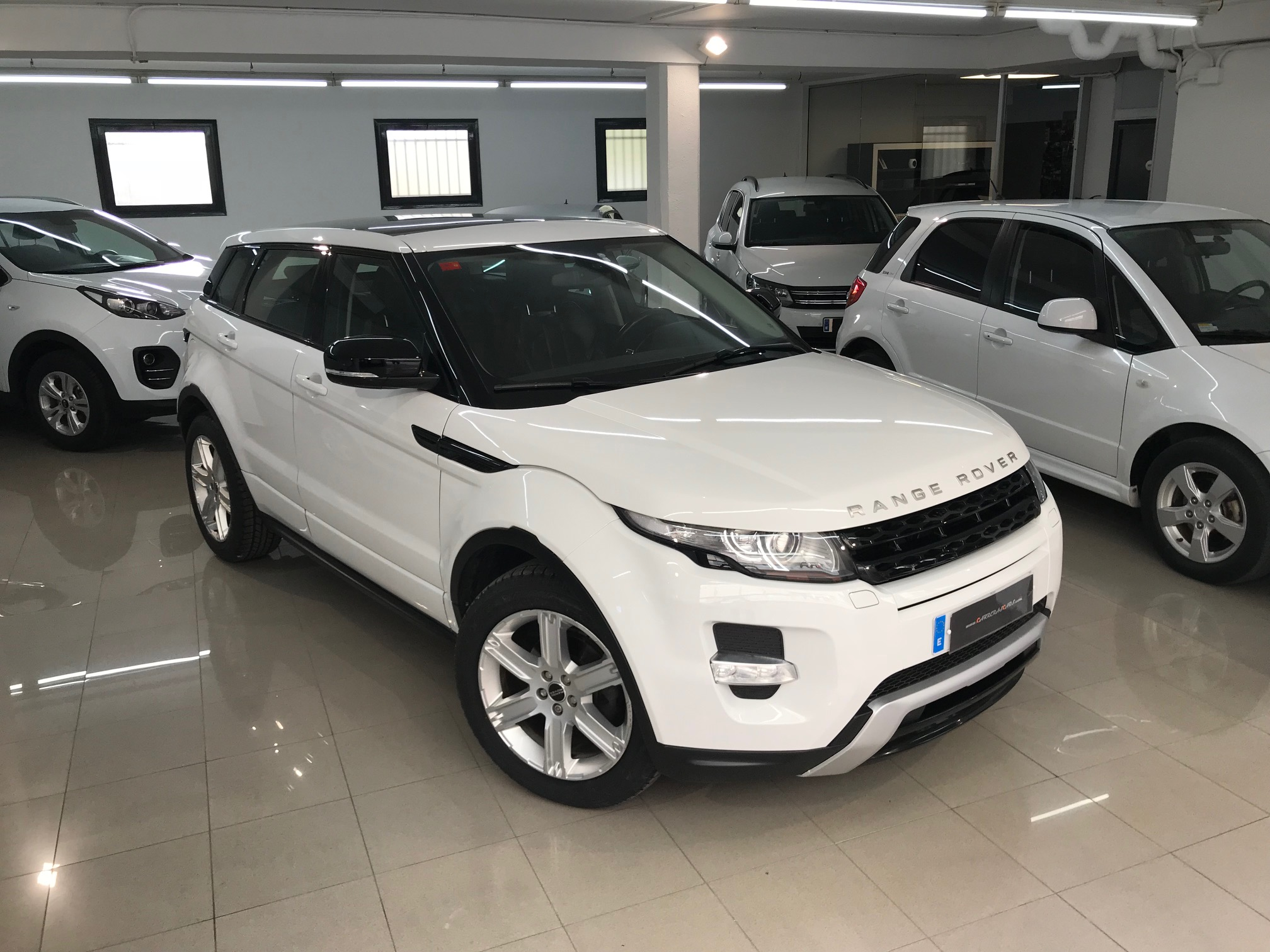 land rover range rover evoque 2 2sd4 190cv 4 4 6vel manual carreras cars. Black Bedroom Furniture Sets. Home Design Ideas